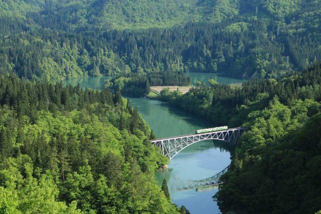 只見線第一橋梁と列車