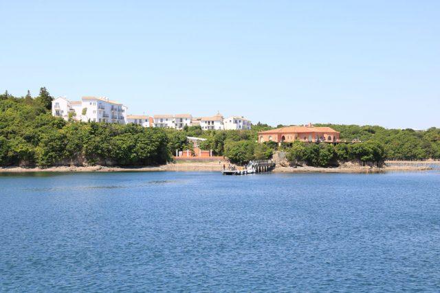クルージング船から見た志摩地中海村